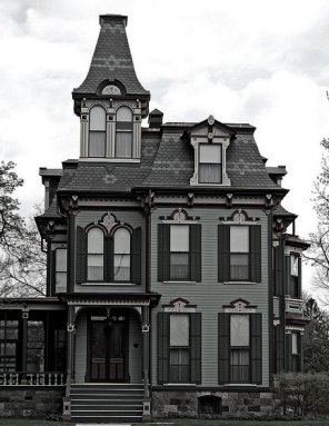 gothic-revival-Victorian-house-style Source Founterior.com