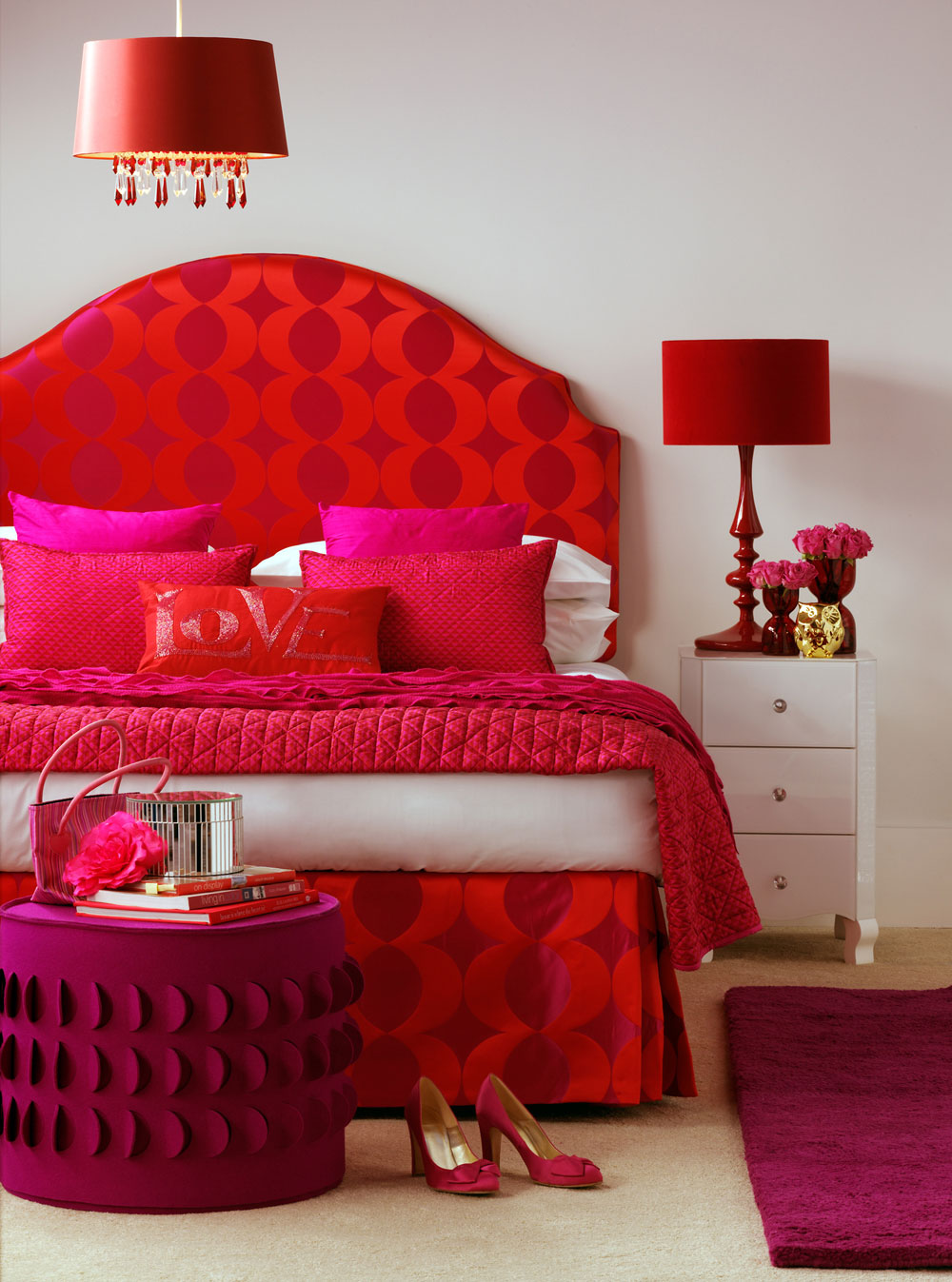 pink-red-bedroom-Designed by Sophie Robinson blog